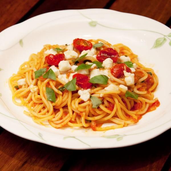 スパゲティ・カプレーゼ