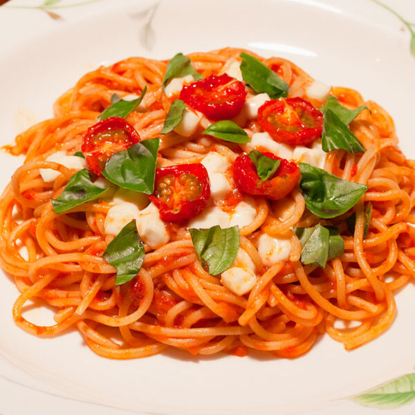 season_pasta_summer_caprese