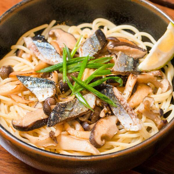 秋刀魚ときのこのスパゲティ(和風)